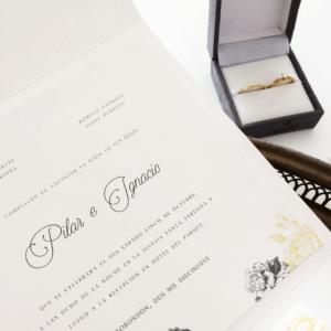 """Invitación """"Golden White Plegable"""""""