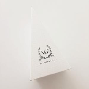 """Caja """"Triángulo"""""""